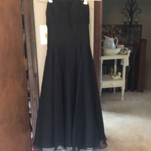 Juniors black dress